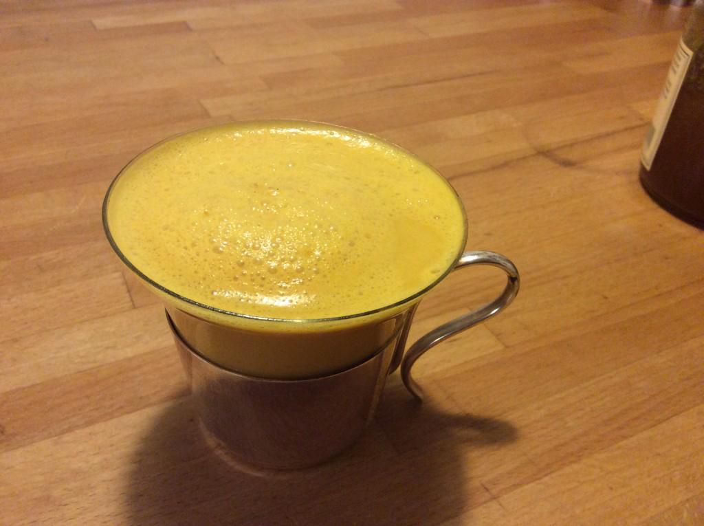 Curcuma-Latte, gesund und vorbeugend gegen Krebs